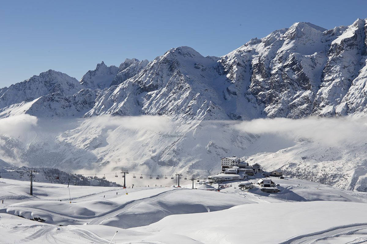 Cervinia- Skiing in the Aosta Valley